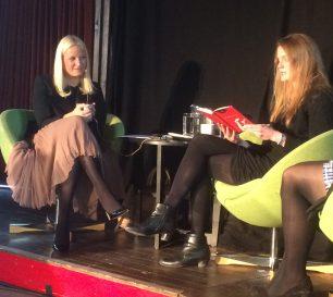 H.K.H. Kronprinsesse Mette Marit har kjent seg godt igjen i Ingvild H.Rishøis noveller. FOTO: Elin Brend Bjørhei